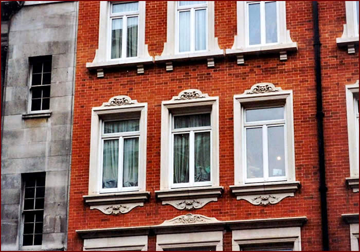 Fortnum & Mason | New Red Rubber gauge brickwork in lime putty mortar | CLICK TO CLOSE